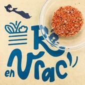 L'indispensable de l'été ☀️ et LA spécialité de l'Ile de Ré : le SEL FOU en vrac 🤩   Un sel qui a du caractère ! Composé d'épices, aromates, baies roses, sur un très beau sel de l'Ile de Ré, le sel fou accompagne et relève finement vos barbecues, planchas, grillades, bouillons, soupes, sauces et autres légumes au four…   Saveur subtile, épicée et délicate 🤤 Le sel fou apporte une touche exotique à vos plats de tous les jours 👩🍳  Déjà sur votre stand et votre boutique en ligne 😉  #iledere #ilederé #sel #vrac #selfou #épices #saveurs #barbecue #marinades #plancha #grillades #aromates #exotique #cuisine #été #local #reenvrac
