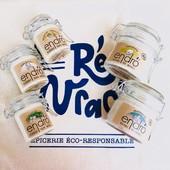 Il y a 1 mois et 1/2 nous étions très impatients de vous les présenter… Les avez-vous testés ? 🤓  Après de nombreuses recherches 🧐 et de longues semaines d'attente, nous avions enfin trouvé la perle du dentifrice zéro-déchet ! Du dentifrice en bocal en verre 100% recyclable 🌍 Une pâte naturelle, comme on les aime !  Deux goûts : Menthe givrée et Zeste citronné, fabriqués dans le laboratoire Endro en Bretagne 🇫🇷. Leur composition 100% naturelle vous offre une réelle sensation de fraîcheur après chaque brossage.  Et c'était pas fini ☺️Plus de naturel, pour vos aisselles aussi ! Les propriétés naturelles antibactériennes des ingrédients en font un redoutable anti-odeur et ce, même en conditions extrêmes ! Leurs textures baumes en font l'alternative idéale aux déodorants conventionnels.  Noix de coco, Bergamote Arbre à thé, Menthe poivrée Cèdre… au choix 🤗 Tous les ingrédients sont d'origine naturelle et issus de l'agriculture biologique 🌱 Efficaces sur la durée, ils prennent soin des aisselles sans laisser de sensation collante ou grasse sur la peau, ni de tâches sur les vêtements.  Déjà disponible sur votre boutique en ligne https://reenvrac.fr/11-hygiene ! Découvrez-les très prochainement dans nos kits salle de bain,  de nombreuses idées cadeaux 🤶🎅  www.reenvrac.fr  #iledere #saintemariedere #fabriquesenfrance #dentifrice #deodorant #naturelle #bio #produitsbio #ecoresponsable #vrac #zerodechet #bocal #recyclage #reenvrac